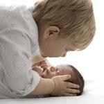 Neugeborenenfoto, Babyfoto, schlicht, hell, natürlich, Babyfotografhamburg, Babyfotografrosengarten, Neugeborenenshooting, Babyshooting, Familienshooting