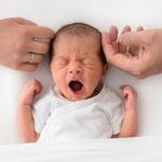 Neugeborenenfoto, Babyfoto, schlicht, hell, natürlich, Babyfotografhamburg, Babyfotografrosengarten, Neugeborenenshooting, Babyshooting,