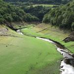 voorbij belante, uitzicht vanaf de brug over de rio loio