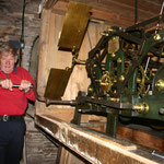 Manual winding of the clock