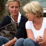 Tona's Mutter Carolin Gotzens und Tara's Mutter Birgit Schneider