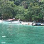 phiphi_beach