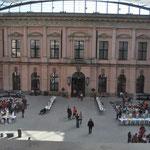 vor dem Abschlussfest im Schlüterhof des Deutschen Historischen Museums