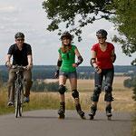 Die Flaeming-Skate führt am Kirschgarten Heinsdorf vorbei