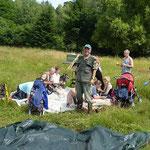 Picknick und Gebietsbetreuer Peter Rafoth freut sich