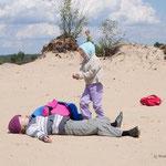Spaß im Wüsten (Dünen)sand - Foto: Wolfgang Ewert