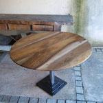 Table ovale sur pied lourd acier brossé et vernis