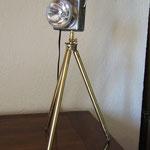 N°29 Vielle lampe de poche sur trépied (vendue)