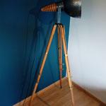 N°91 Projecteur trépied bois  ( ancien appareil de mesure )