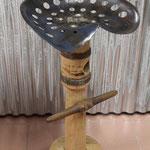 Tabouret de bar siège agricole sur demi arbre de charette
