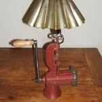 N°42 Hachoir rouge, moule à flan (vendue)