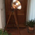 N°37 Projecteur sur trépieds ancien (vendue)