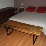 Bout de lit, table basse, meuble télé ou banc plateau vernis