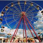 Riesenrad unter Bayerischen Himmel