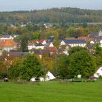 Blick auf Laubach bei langem Spaziergang