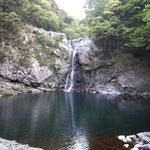 瀬野の滝 マイナスイオンの滝