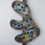 Biotec No 15, Collage, Sperrholz auf Kantholz montiert, Höhe 64 cm x größte Breite 33cm