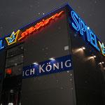 Neon Einzelbuchstaben Nachtsicht Spielstation