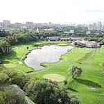 ул. Пырьева дом 9 - аренда квартиры, вид из окон на гольф клуб и озеро.