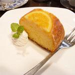 ケーク・オランジュ。 東京の老舗洋菓子店より届いたパウンドケーキ。¥380