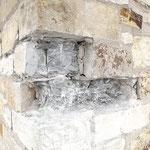 Situation während dem Ausbau von schadhaften Bruchsteinen.