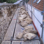 Zwischenzustand- Austausch defekter und fehlender Sandsteine durch artgleiches Steinmaterial - teilweise unter Verwendung von gut erhaltenen originalen Steinen. (Material: Osning-Sandstein)