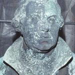 Detailfoto Büste Luther mit starken Auflagerungen und Korrosionserscheinungen.