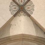 Reinigung der Gewölbeflächen. Detail / Gewölbe.