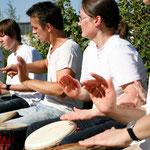 Fleißige Hände :-)  Foto: Bettina Lewerken
