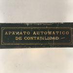 La caja de hojalata está fabricada por industrias Cirages Francais (Santander, España))