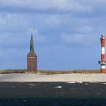 der Westturm, das Wahrzeichen von Wangerooge - und der neue Leuchtturm