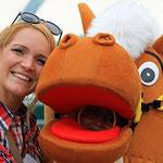 Janine Budde und ihr Pferdekostüm