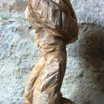 Die Last, Weide, 68 cm mit Sockel
