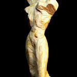 Amazone, 58 cm mit Sockel, Götterbaum