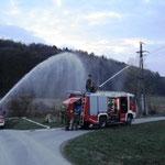 Wasserversorgung des TLF's für den Betrieb des Wasserwerfers.