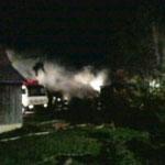 Nach dem Brand klaffte eine große Lücke zwischen dem Wohnhaus und der Lagerhalle.