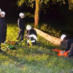 Mitten in der Nacht: Person in Notlage beim Bauernhof Harm.