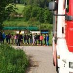 Unterstützung der Feuerwehr für die Volksschule.
