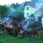 Das durch die Flammen zerstörte Gebäude.