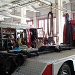 In der Fahrzeughalle der Berufsfeuerwehr Wien.