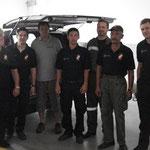 Das Team der Feuerwehr und Herr Hodi.