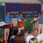 """Die Musikgruppe """"Die Wurlitzer"""" trat am Freitag auf und unterhielt die Festgäste."""
