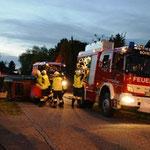 Die Feuerwehr Böheimkirchen arbeitete an einem verunfallten Pkw.