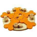 MID Bones- Leuke puzzel met pionnen die verwijderd moeten worden middels duwen, optillen en schuiven en verstopplekken onder de draaibare botten.