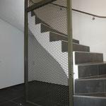 Treppenhausabschluss mit Streckmetall