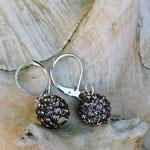 Perlen Ohrringe Yanara mit anthrazit farbenen glitzernden Polymerperlen und Briseverschluss, nickelfrei