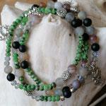 Mala Armband Armkette Achatarmband elastisches Armband dreireihig Modeschmuck Perlenschmuck Achatperlen grüne facettierte Jadeperlen Metallperlen Katzenanhänger Blumen Metallperlen