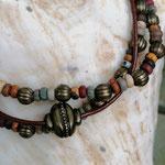 Mehrsträngiges Perlen Armband Perlen Armkette Virginia mit grünen, roten, braunen und weissen Jaspis Perlen, bronze Lampion Metallperlen und Knebelverschluss