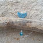 Sommer Schwemmholz Girlande Mobile Fensterdeko Windspiel Hanging Fish mit blauen Weidekugeln, Fischanhänger aus Metall, Muscheln, blauen & weissen Glasperlen, weisse Glanzperlen