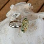 Fingerring Ring Dineth mit 20mm grosser gelber Cabochon Glasperle mit Blumen verstellbar
